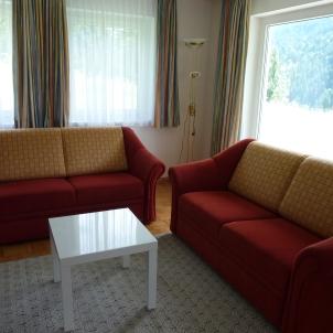 Wohnzimmer mit Schlafcouch (2.00M x 1.40M)